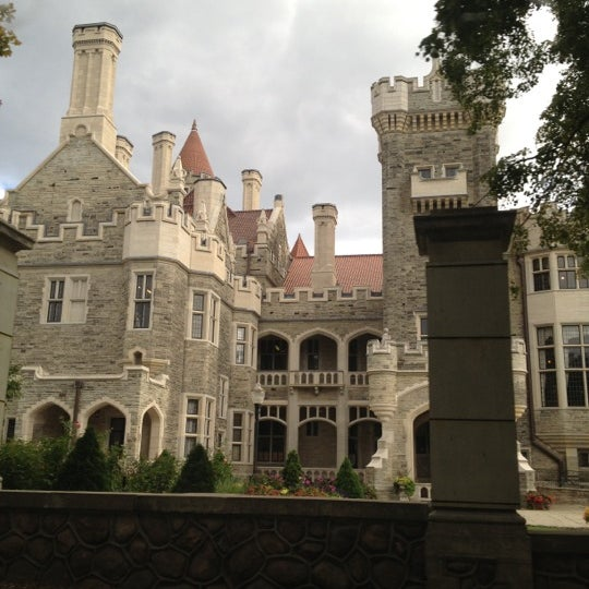 Photo taken at Casa Loma by Alina D. on 9/23/2012
