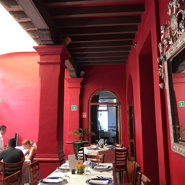 Foto tomada en Catedral Restaurante & Bar por tasteeverything el 4/16/2017