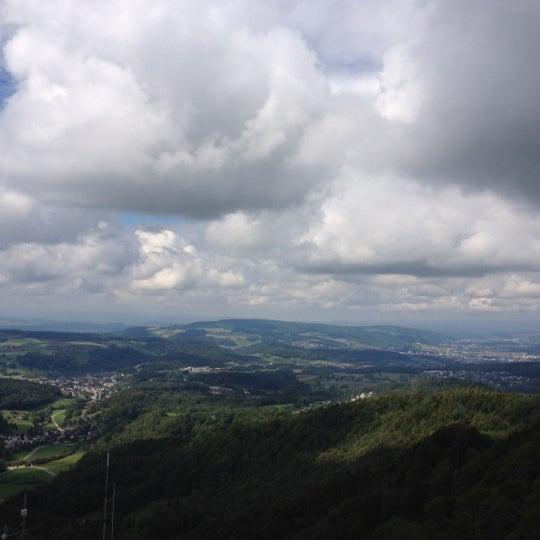 Снимок сделан в Uetliberg пользователем Von 9/15/2012
