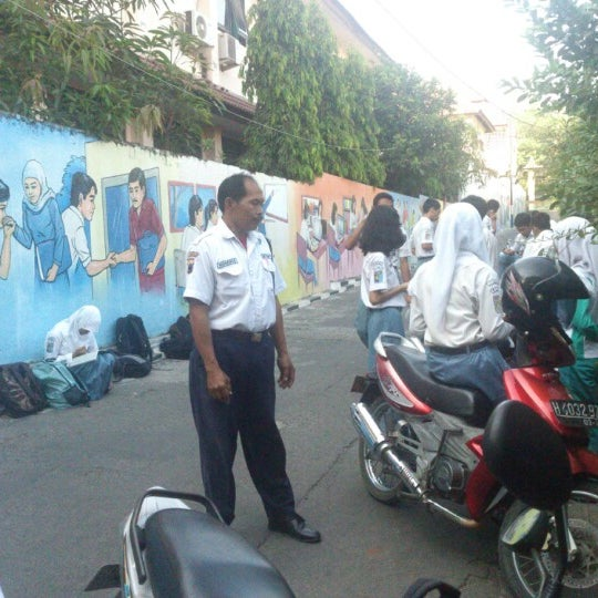 Photo taken at SMA Negeri 4 Semarang by Abdullah S. on 9/18/2012