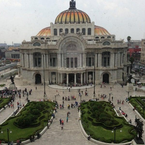 Foto tomada en Palacio de Bellas Artes por Selene el 5/26/2013