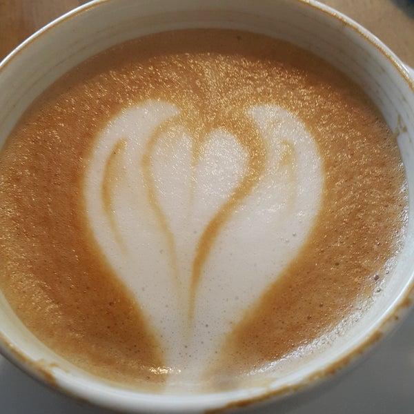 Снимок сделан в Coffee Relax пользователем Süleyman Astra O. 11/9/2017