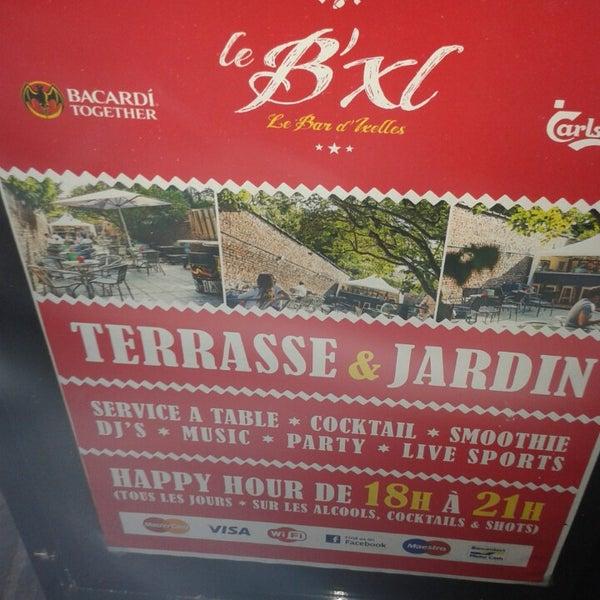 Foto tirada no(a) Le Bar d'Ixelles por Theo M. em 8/9/2013