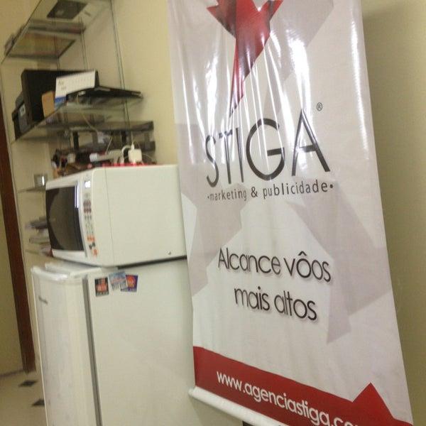 Foto tirada no(a) Agência Stiga por Fernando A. em 3/8/2013