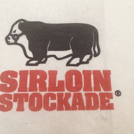 Photo taken at Sirloin Stockade Plaza Loreto by Fercho on 10/13/2012