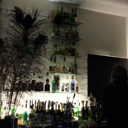 absinth bar in sternschanze. Black Bedroom Furniture Sets. Home Design Ideas