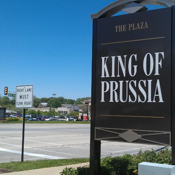 Photo taken at King of Prussia Mall by Yéhia M. on 5/12/2013