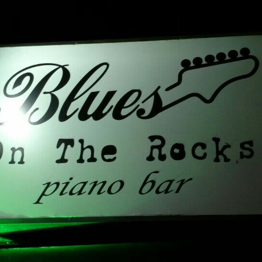 Foto tirada no(a) Blues On The Rocks por Gilberto M. em 1/16/2016