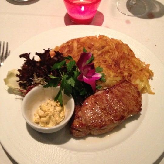 Das Foto wurde bei Restaurant Die Waid von Masi am 10/13/2012 aufgenommen