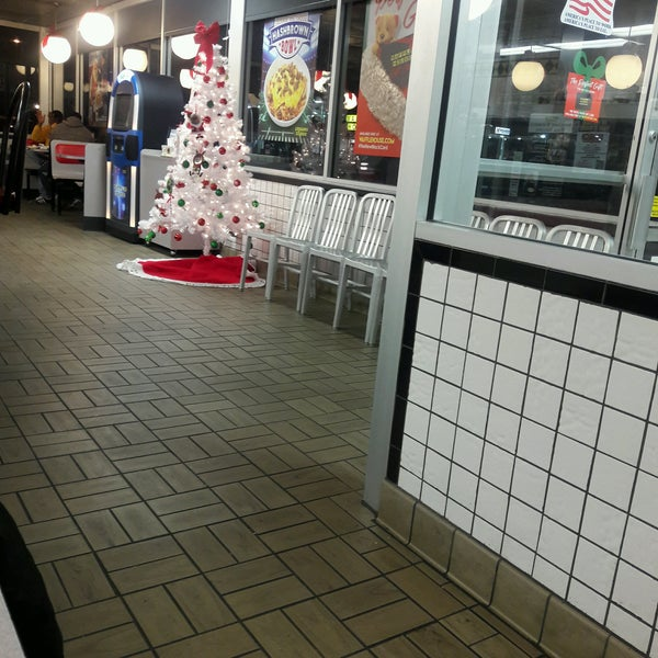 Photo taken at Waffle House by Melanie M. on 12/21/2016