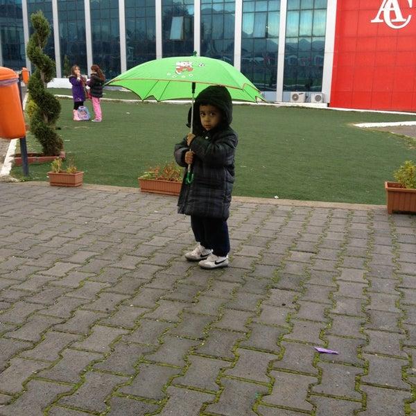 Photo prise au Girne American University par Pembe le12/21/2012
