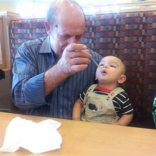 Photo taken at IHOP by Esa S. on 9/16/2012