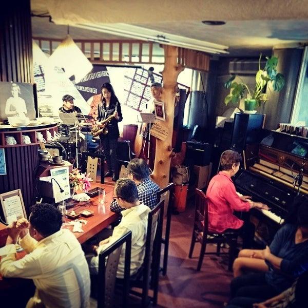 Photo taken at Nefertiti Jazz Cafe & Bar by Ichitaro K. on 9/27/2014