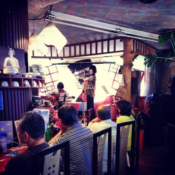 Photo taken at Nefertiti Jazz Cafe & Bar by Ichitaro K. on 5/31/2014