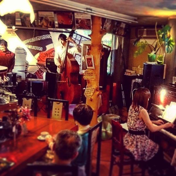 Photo taken at Nefertiti Jazz Cafe & Bar by Ichitaro K. on 6/27/2015