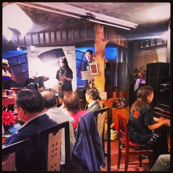 Photo taken at Nefertiti Jazz Cafe & Bar by Ichitaro K. on 10/26/2013