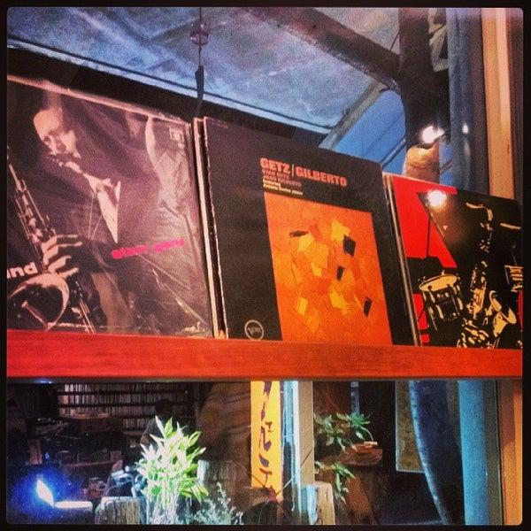 Photo taken at Nefertiti Jazz Cafe & Bar by Ichitaro K. on 9/28/2013