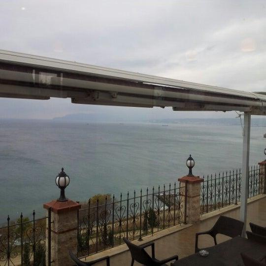 11/24/2012 tarihinde Sertan G.ziyaretçi tarafından Köfteci İbrahim'de çekilen fotoğraf
