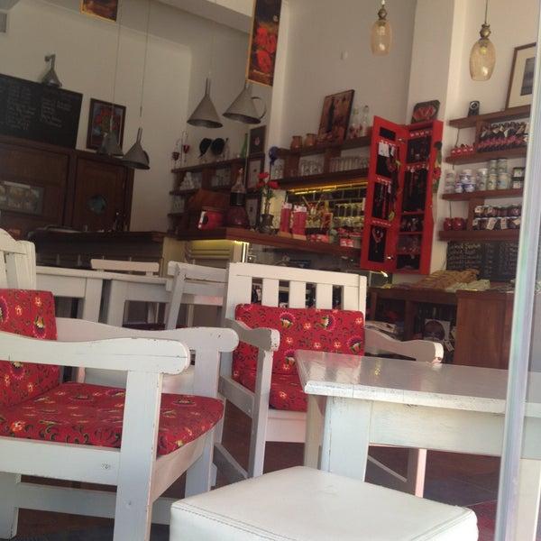5/11/2013 tarihinde Orhan İ.ziyaretçi tarafından Ada Cafe'de çekilen fotoğraf