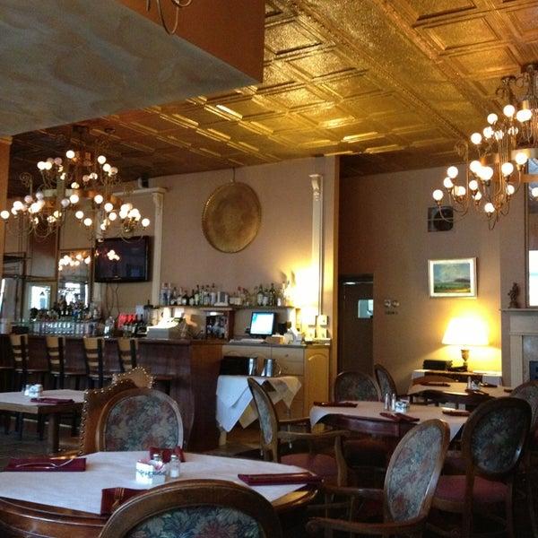 Foto diambil di Sahara Restaurant oleh 🐶Sandy🐱 pada 8/1/2013