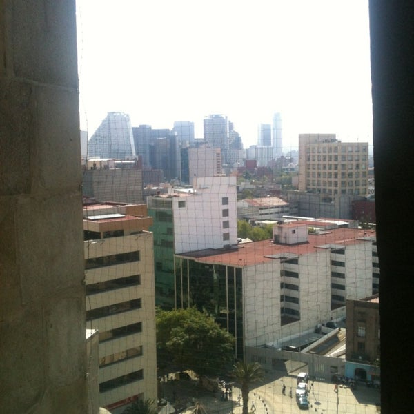 Das Foto wurde bei Mirador Monumento a la Revolución Mexicana von Dannie G. am 3/18/2013 aufgenommen