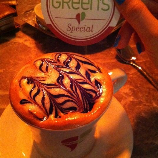 11/21/2012 tarihinde Lo e te 💭ziyaretçi tarafından Soho Green's'de çekilen fotoğraf
