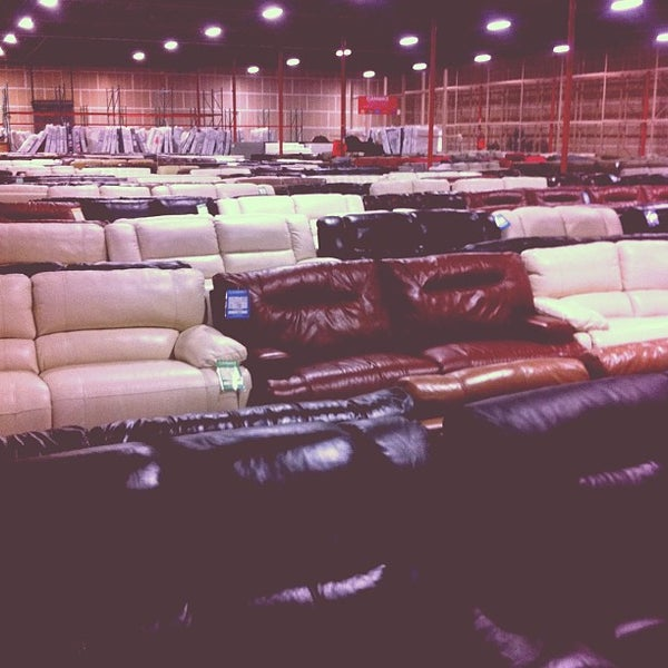Macy 39 S Furniture Clearance Center 1208 Whipple Rd