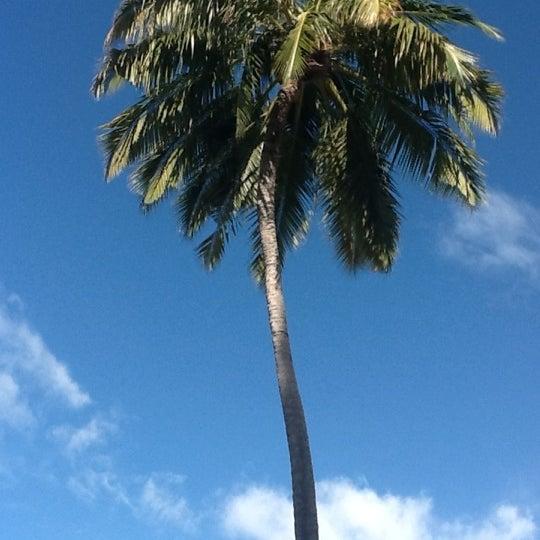 Photo taken at Vilamendhoo Island Resort & Spa by UsHeeee on 9/30/2012