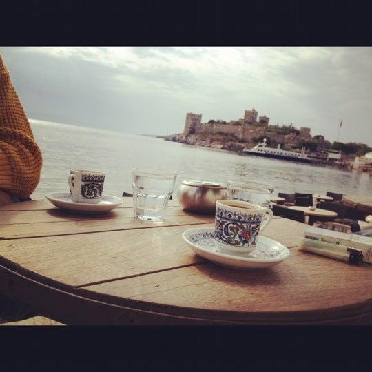 11/17/2012 tarihinde Merve Ö.ziyaretçi tarafından Moonlight Cafe Bar'de çekilen fotoğraf