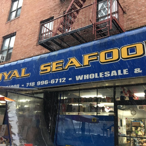 Royal seefood fish market in coney island for Boston fish market chicago