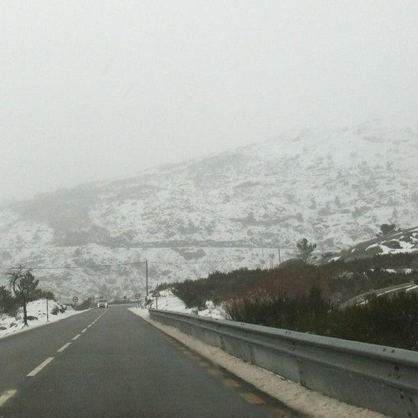 Foto tirada no(a) Serra da Estrela por Farruska em 2/11/2013