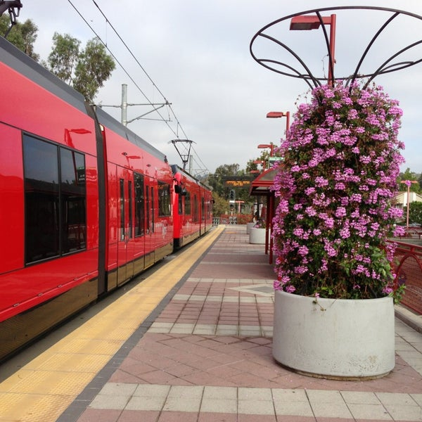 Mission Light Rail: Mission San Diego Trolley Station