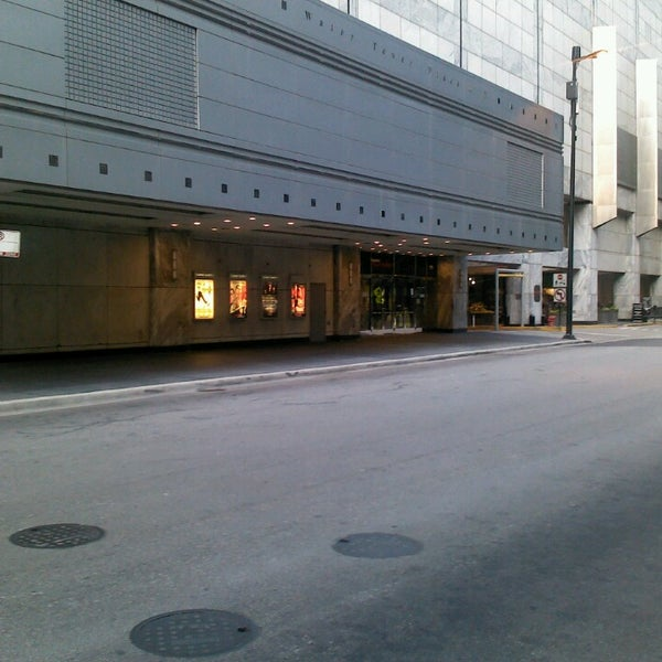 Снимок сделан в Broadway Playhouse пользователем Jean-Michel D. 7/1/2013