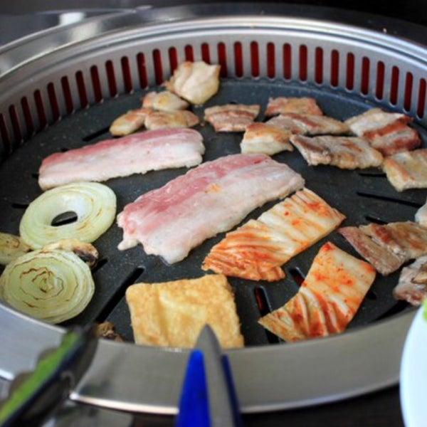 Снимок сделан в Korean BBQ гриль пользователем Marishka 11/26/2015