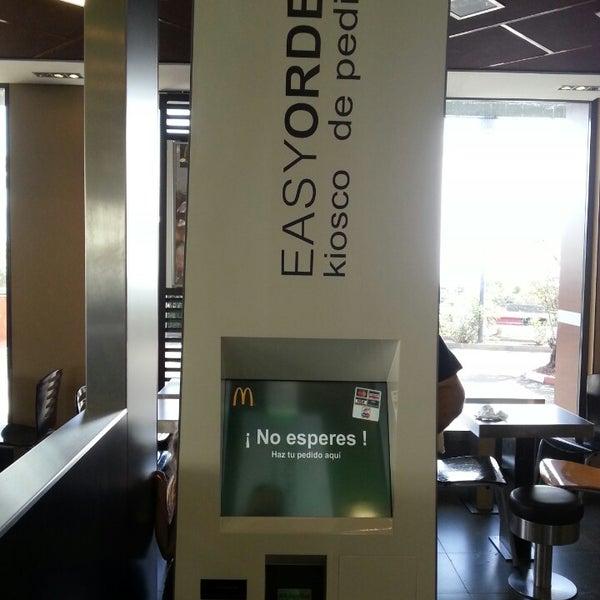 Photo taken at McDonald's by Felipe T. on 11/2/2013