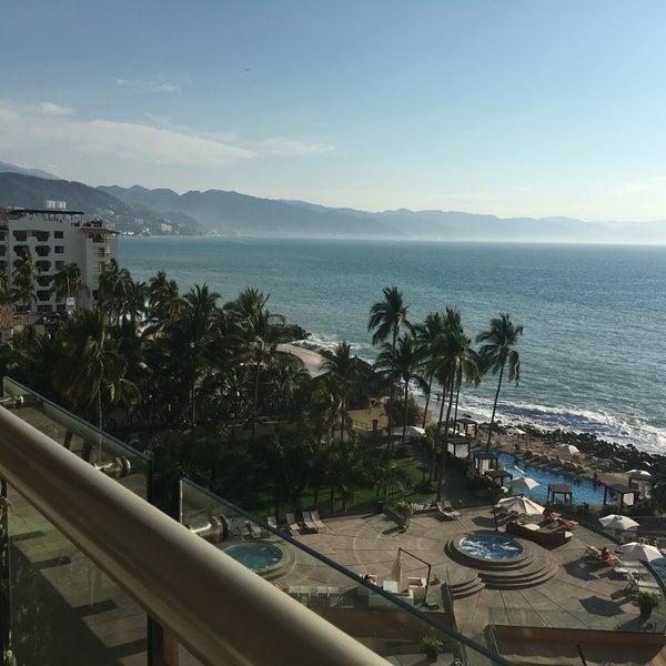Foto tomada en Sunset Plaza Beach Resort & Spa por Lara M. el 2/27/2016