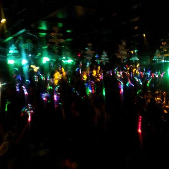 Foto scattata a Velvet Club & Factory da Alessandro V. il 12/8/2012
