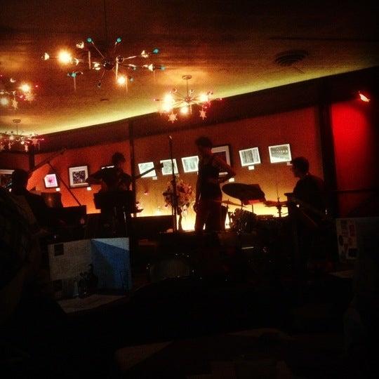 Foto tirada no(a) Dazzle por Michael S. em 12/14/2012