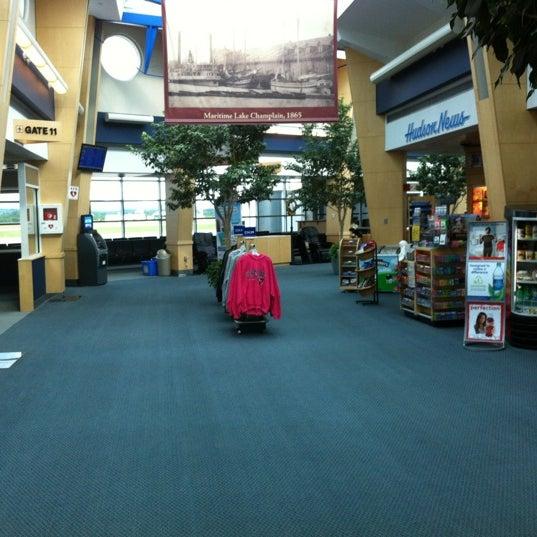 Foto tomada en Burlington International Airport (BTV) por Allison H. el 5/31/2012