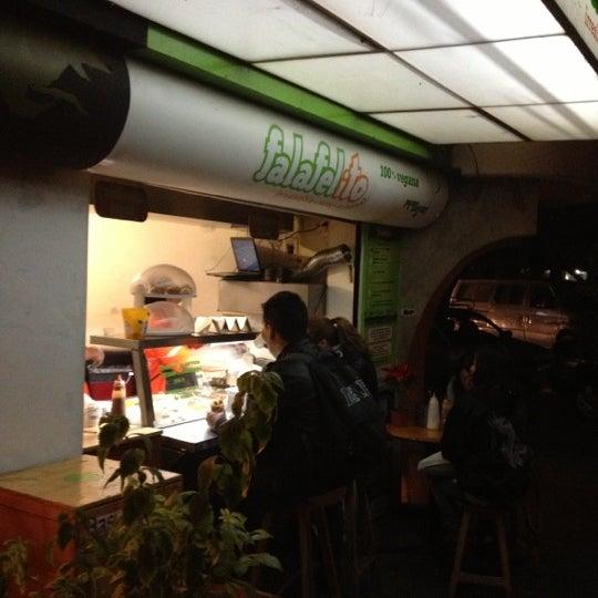 Foto tomada en Falafelito por Grishka G. el 12/3/2012