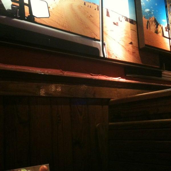 Photo taken at Outback Steakhouse by Eduardo A. on 4/7/2013