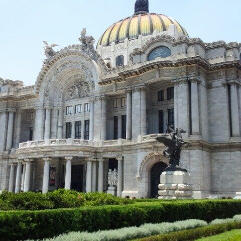 Foto tomada en Palacio de Bellas Artes por Yair B. el 5/5/2013