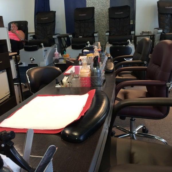 Salon excursion salon barbershop in chicago for A j salon chicago