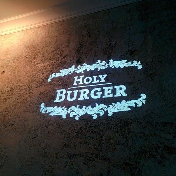 Das Foto wurde bei Holy Burger von Alexander B. am 1/23/2015 aufgenommen