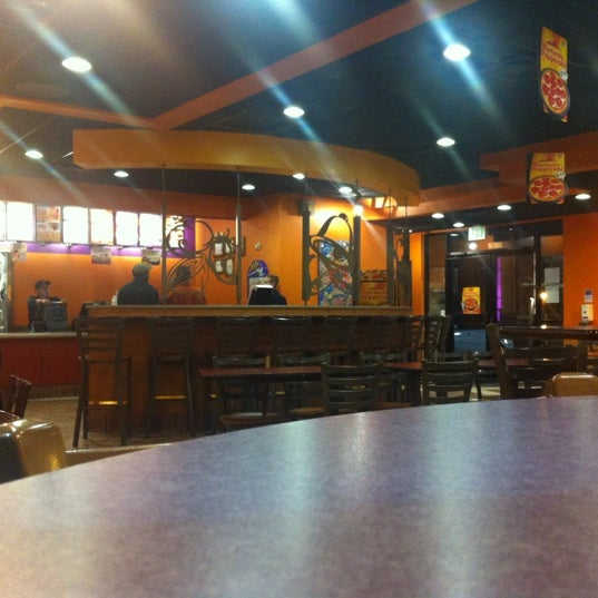 Photo taken at Taco Bell by Superbear78 on 12/10/2012