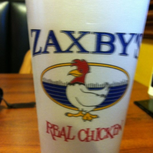 Photo taken at Zaxby's Chicken Fingers & Buffalo Wings by Logan R. on 9/28/2012