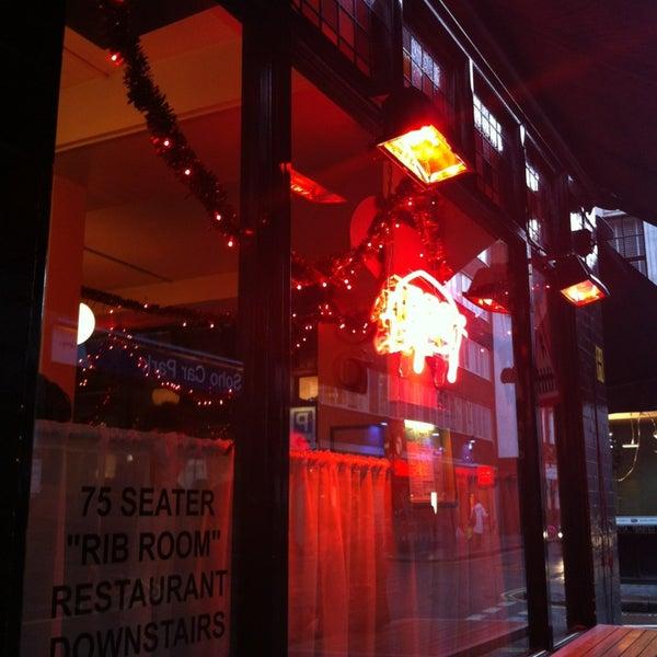 รูปภาพถ่ายที่ Bodean's โดย Chris H. เมื่อ 12/27/2012