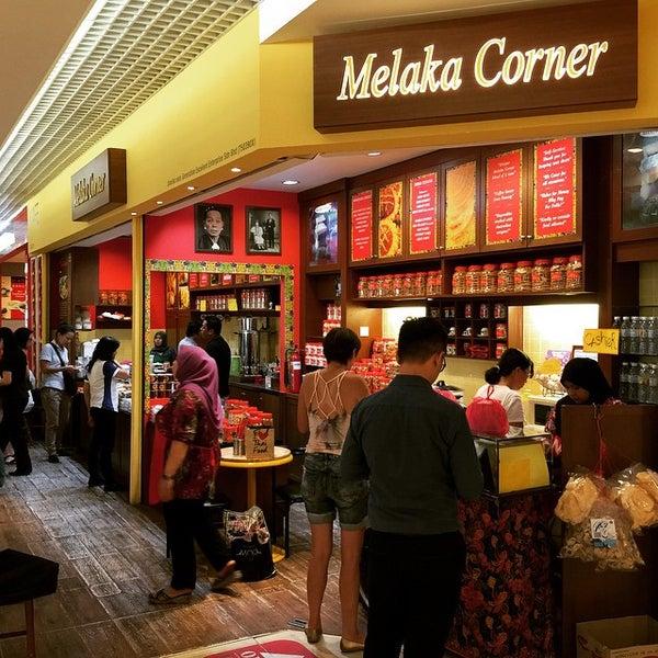 Photo taken at Melaka Corner by penman on 3/7/2015