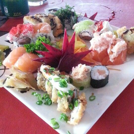 Foto tirada no(a) Hachi Japonese Food por Adriel S. em 10/4/2013