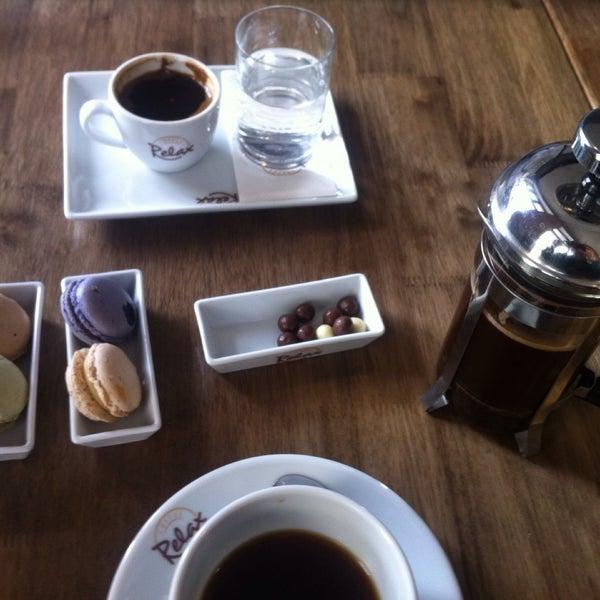 Снимок сделан в Coffee Relax пользователем Aiperim 9/9/2015